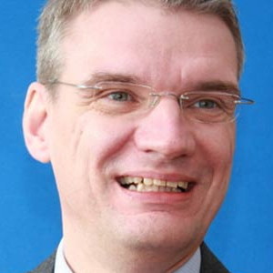 Dr. Jörg Breitenbach, Managing Director, BIT Pharma