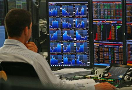 Hedge Funds versus Mutual Funds: Understanding the Opportunities